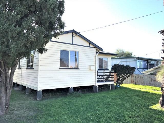 16 Davidson Street, Oakey QLD 4401