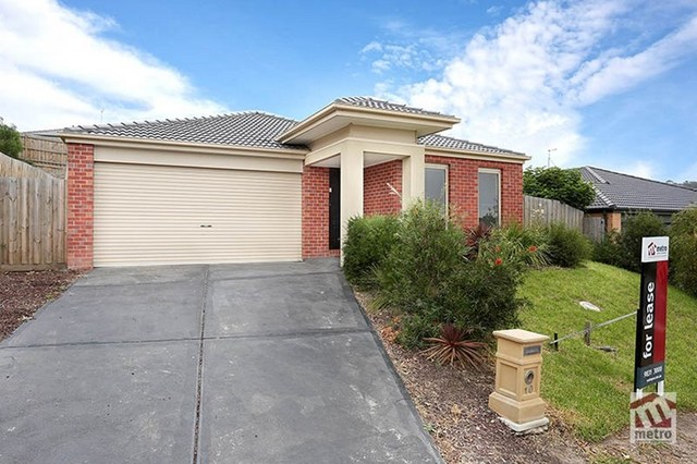 10 Langport Crescent, Sunbury VIC 3429