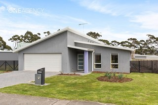 39 Freestone Crescent