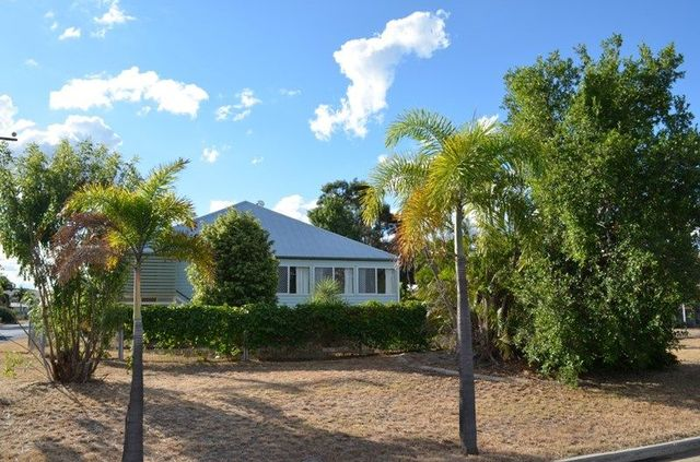 12 Little Street, Emerald QLD 4720