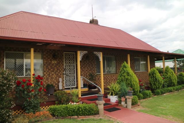 48 Macquarie, NSW 2370