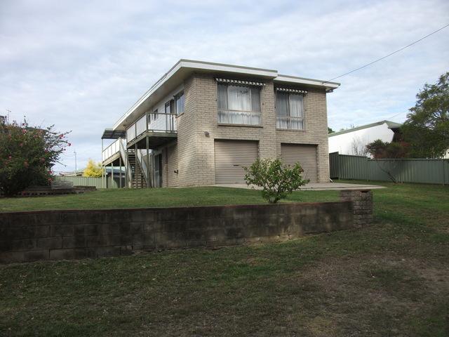 5 Millers Crescent, Moruya Heads NSW 2537