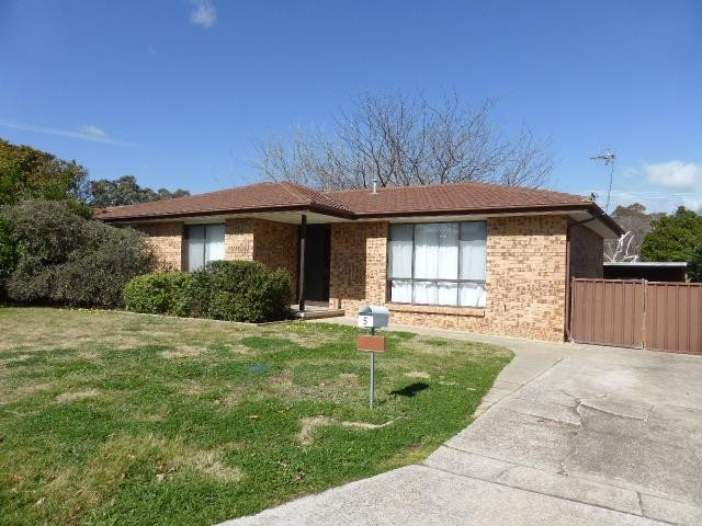 5 Beardsmore Place, Gowrie ACT 2904