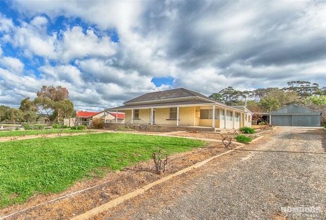 27 Moculta Road, Angaston SA 5353