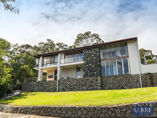2 Faye Crescent, Gooseberry Hill WA 6076