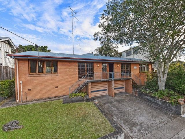 76 Alderson Street, Newmarket QLD 4051