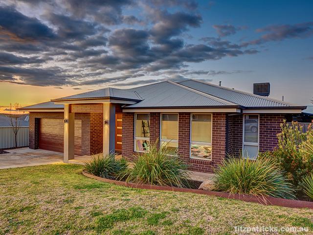 2 Koonawarra Place, Bourkelands NSW 2650