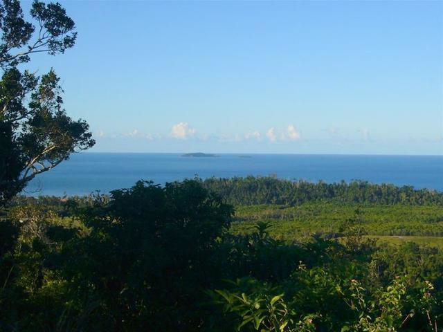 13 Frizelle Road, Bingil Bay QLD 4852