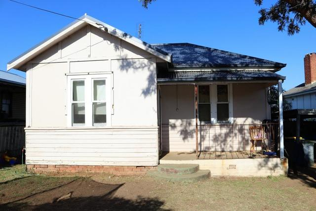 148 William Street, Young NSW 2594