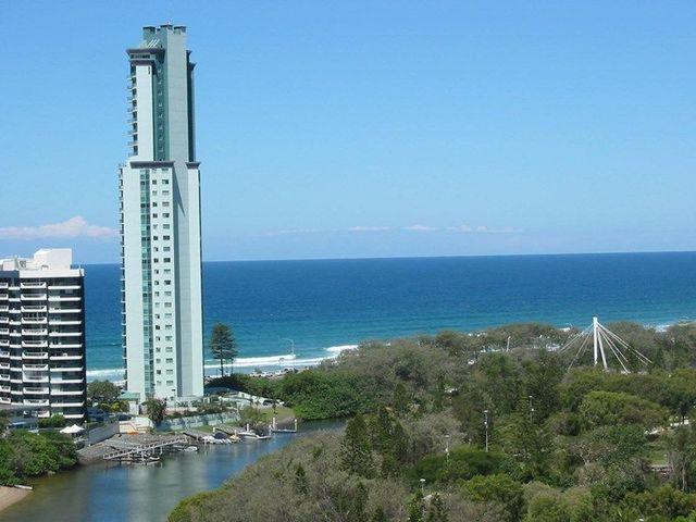 Tedder Avenue, Main Beach QLD 4217