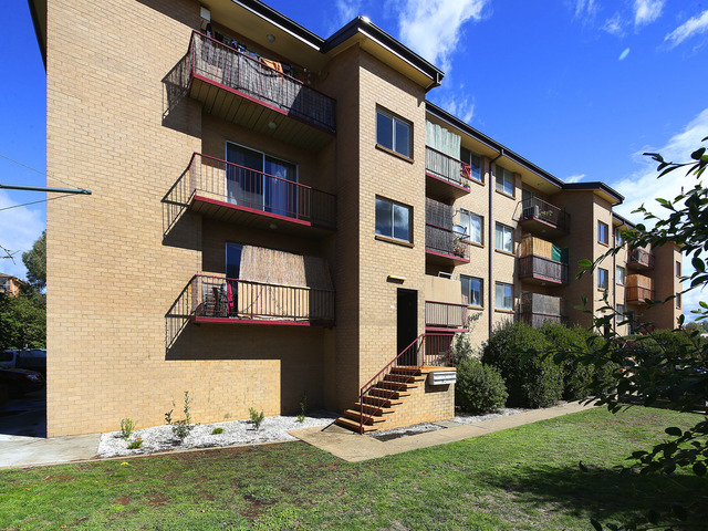 Unit 4/104 Henderson Road, NSW 2620