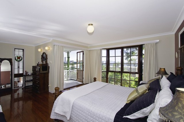 3 short street burleigh heads real estate for sale allhomes for 111 skyline terrace burleigh heads