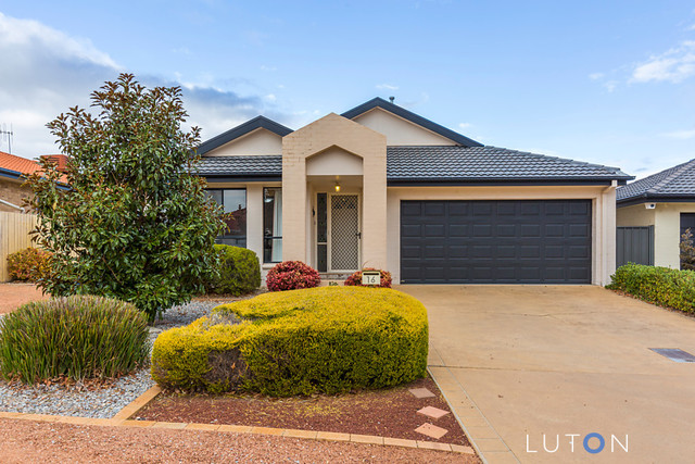16 Oxenham Circuit, Gordon ACT 2906