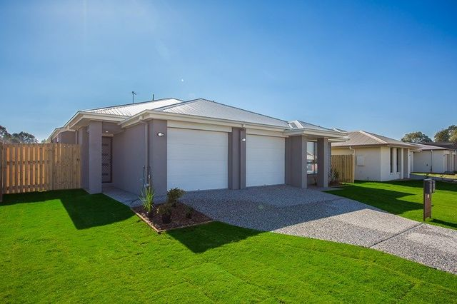 2/36 Azure Street, Rosewood QLD 4340