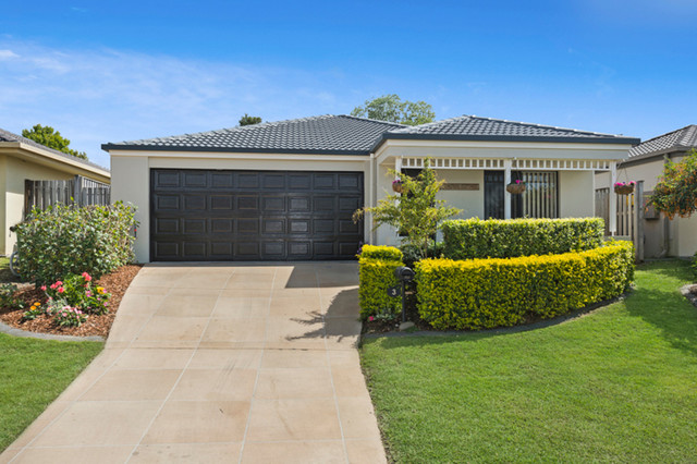 3 Lou Place, Pacific Pines QLD 4211