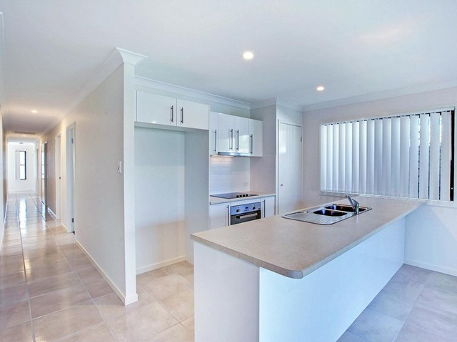 1/135 Singer Street, Wynnum West QLD 4178