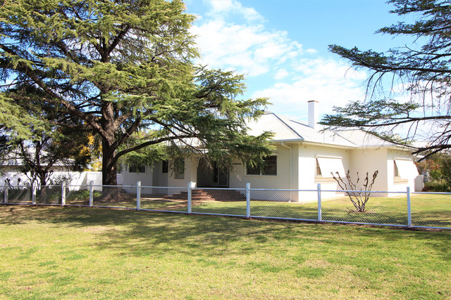 2 Animoo Avenue, Griffith NSW 2680