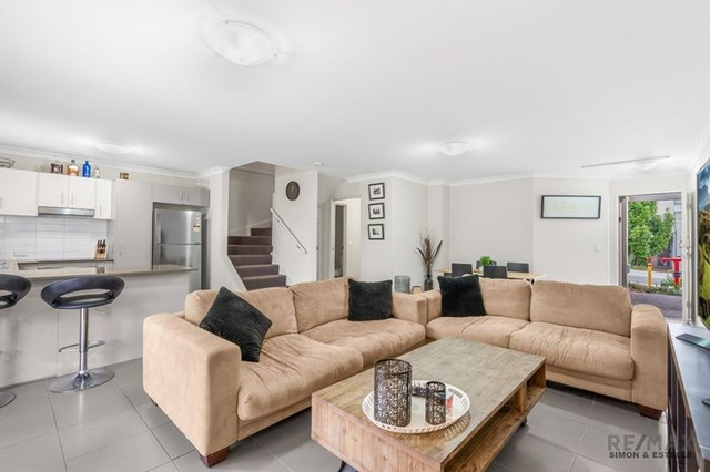 55/2 Diamantina Street, QLD 4116