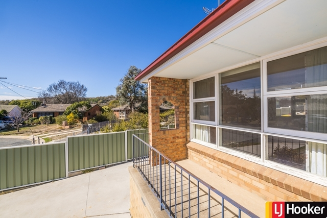 8 Gillman Place, NSW 2620