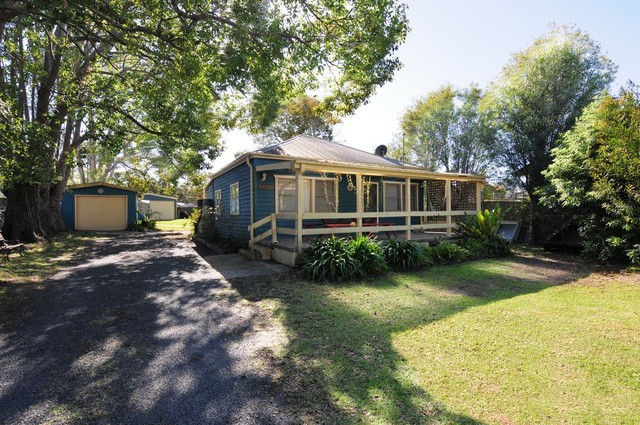 14 St Georges Road, St Georges Basin NSW 2540