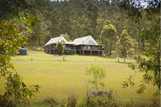 284 Careys  Road, Hillville NSW 2430