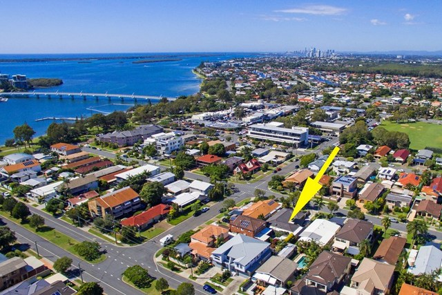 2/23 Victor Avenue, Paradise Point QLD 4216