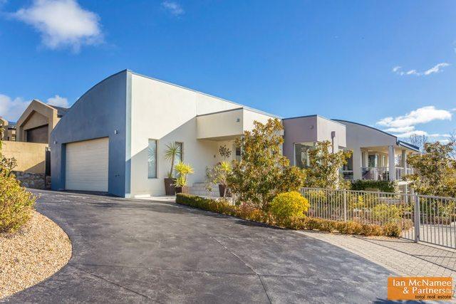 26 Waterfall Drive, Jerrabomberra NSW 2619