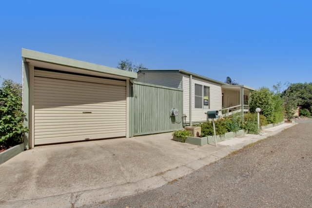 4 The Pines Avenue, ACT 2609