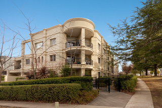 12/20 New South Wales Crescent