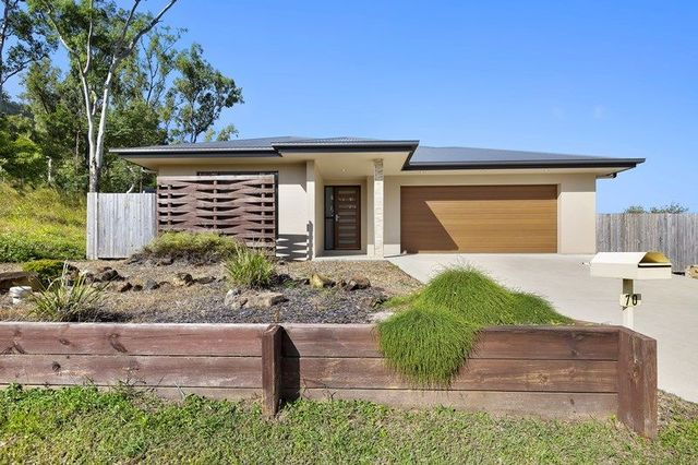 70 Valley Drive, Cannonvale QLD 4802