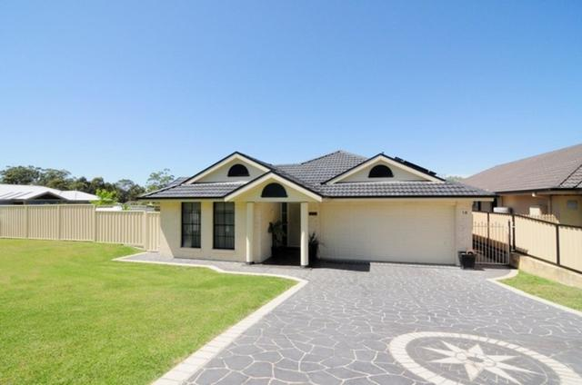 18 Stott Crescent, Callala Bay NSW 2540