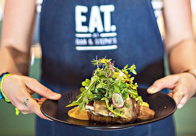Beautiful Modern Beachside Cafe & Restaurant – Great Location Low Rent Fantastic Reputation, Hervey Bay QLD 4655