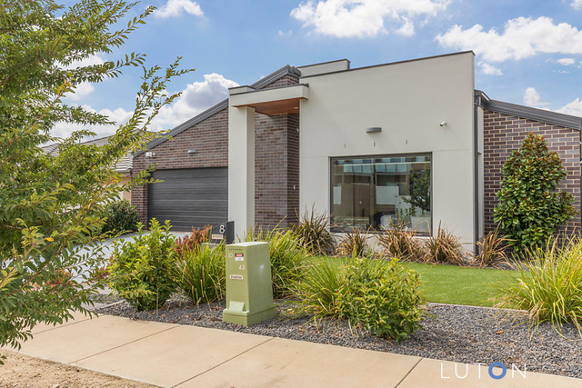 8 Arthur Blakeley Way, Coombs ACT 2611