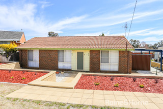 8 Banksia Place
