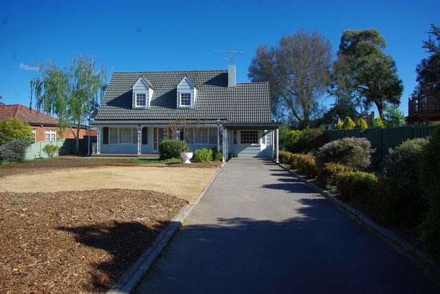 216 Clinton Street, Goulburn NSW 2580