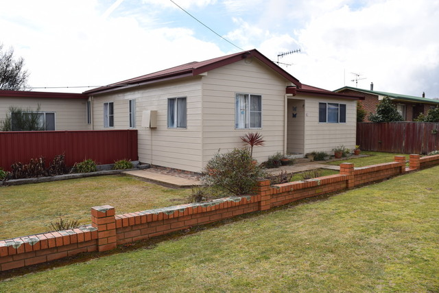 19 O'Donnell Ave, Guyra NSW 2365
