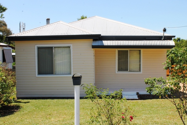 21 Gilchrist Street, Inverell NSW 2360