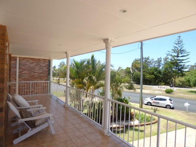 221 Beach Street, Harrington NSW 2427