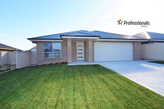 52 Wentworth Drive, Kelso NSW 2795