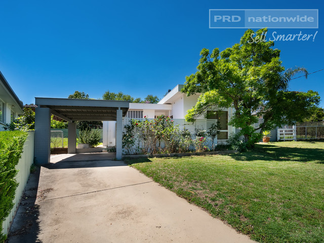 3 Falcon Place, NSW 2650