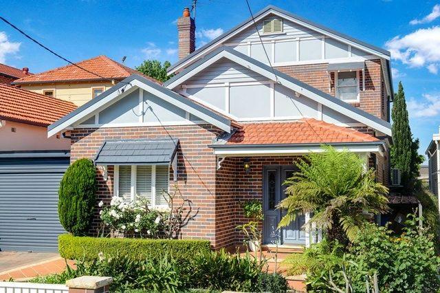 4 Augusta Street, NSW 2046