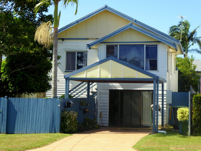 18 Bell St, Woody Point QLD 4019