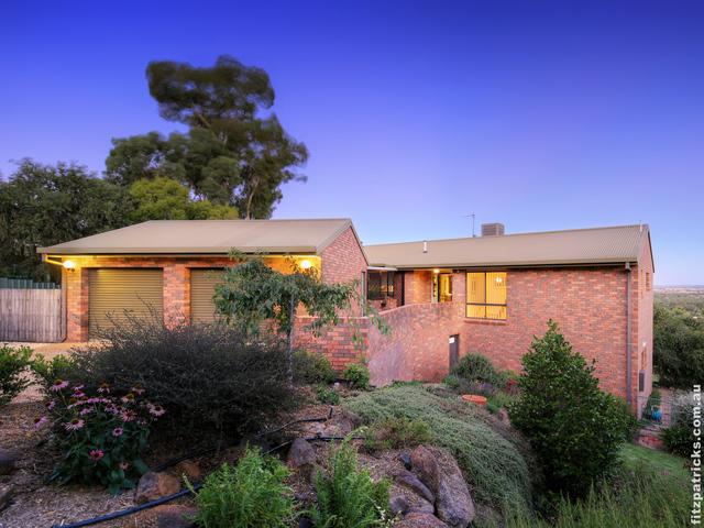 9 Baree Place, Kooringal NSW 2650