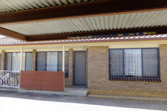 2/406 Schubach Street, Albury NSW 2640