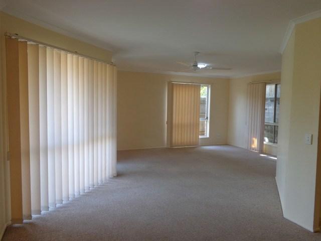 2/18 Corunna Crescent, Ashmore QLD 4214