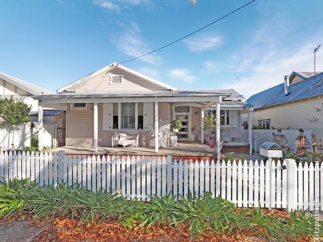 32 Kildare Street, Turvey Park NSW 2650