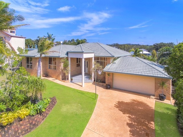 4 Regal Place, Aroona QLD 4551