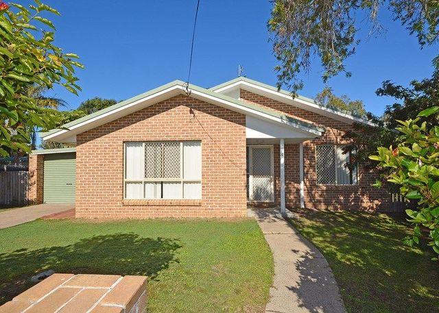 4 Whittaker Close, Urangan QLD 4655