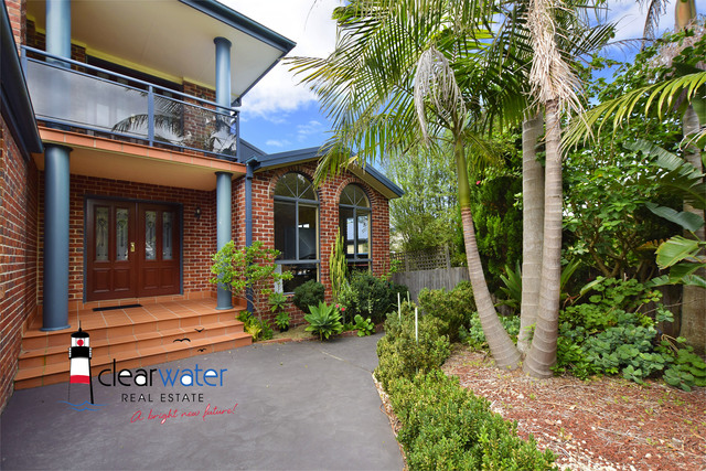 16 Coogee St, Tuross Head NSW 2537