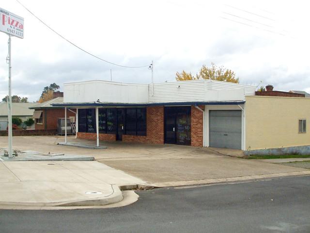 68 Capper Street, Tumut NSW 2720